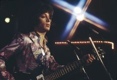 Eric Carmen 1973 (Feeling dizzy, he is just too HOT!)