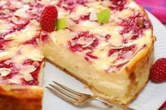 A creamy and delicious white chocolate pie recipe topped with tangy sweet raspberries. White Chocolate Raspberry Pie Recipe from Grandmothers Kitchen. Sweet Pie, Sweet Tarts, White Chocolate Pie Recipe, Raspberry Chocolate, Pie Dessert, Dessert Recipes, Fruit Cheesecake, Raspberry Recipes, Just Desserts