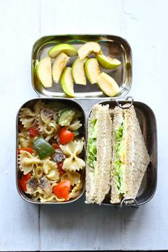 Looking for every day packed lunch ideas for work? We have got you covered with these 16 Best Packed Lunch Ideas for work. - Time To Lunch Lunch Box Recipes, Lunch Snacks, Healthy Dinner Recipes, Indian Food Recipes, Cooking Recipes, Bento Lunchbox, Work Lunches, Detox Recipes, Healthy Dinners
