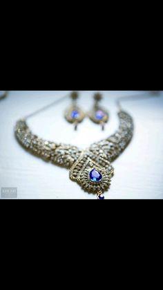 Bridal jewellery. Wedding Photography. www.khushstudio.co.uk wedding jewllery