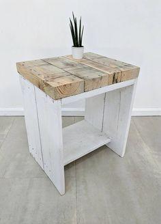 Old Wood Restoration Couchtische Ideen - Mobel Wood Bedroom Furniture, Diy Pallet Furniture, Recycled Furniture, Furniture Projects, Handmade Furniture, Diy Coffee Table, Diy Holz, Old Wood, Diy Home Decor