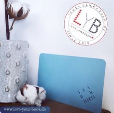 SEI DU SELBST!    Sei FREI, GLÜCKLICH, UNPERFEKT und UNBESCHWERT !   Sei voller LEBENSFREUDE !    SEI EINFACH DU SELBST UND LEBE DEIN INDIVIDUELLES LEBEN !   Die neue Postkarte des 52-Wochenprojekts von Love your Book ist online! Love You, Paper, Be Simple, Joie De Vivre, Postcards, Handmade, Projects, Je T'aime, I Love You