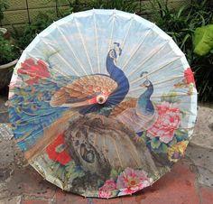 Pretty Handmade Peacock Oil Paper-Painted Bamboo Umbrella