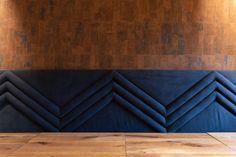 In samenwerking met Dubbel M hebben wij 250m2 kurk geplaatst in de variant Primecork Leather. Deze kurk tegels geven een warm gevoel en verbeteren de akoestiek in het strakke en lichte pand. Meer op de website van Silentium Acoustics.