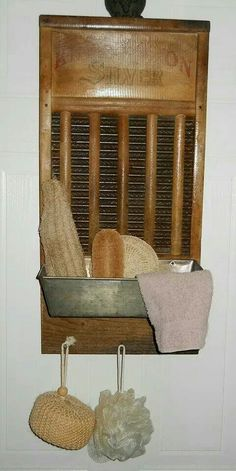 Old washboard and loaf pan! This is a cute, useful repurposed idea for a wall caddy. Repurposed Items, Repurposed Furniture, Diy Furniture, Vintage Decor, Rustic Decor, Farmhouse Decor, Farmhouse Ideas, Country Decor, Farmhouse Style