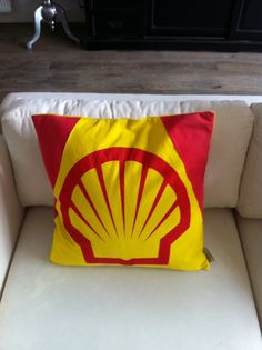 Shell parasol cushion with down
