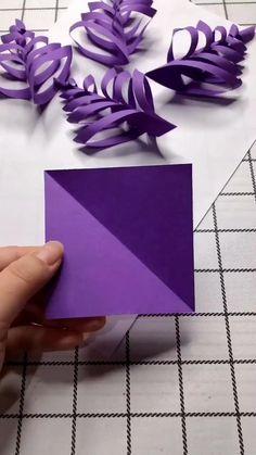 Cool Paper Crafts, Paper Flowers Craft, Christmas Paper Crafts, Paper Crafts Origami, Flower Crafts, Holiday Crafts, Tissue Paper Crafts, Oragami, Diy Crafts Hacks