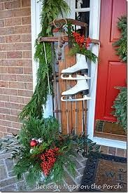 Amy's Daily Dose: Tons of Outdoor Christmas Decorating Ideas