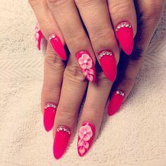Boom! Hot pink summer nails