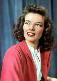 Katharine Hepburn in costume as Tracy Lord for the Broadway production of The Philadelphia Story, 1939 Golden Age Of Hollywood, Vintage Hollywood, Hollywood Stars, Classic Hollywood, Classic Actresses, Hollywood Actresses, Actors & Actresses, Audrey Hepburn, Katharine Hepburn Spencer Tracy