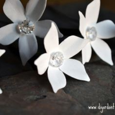 Stephanotis flowers are expensive when bought fresh. Make them with this template for just pennies! Nobody will believe they're paper!