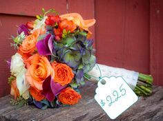 We love this one-of-a-kind bouquet that was featured in one of our Real Weddings…