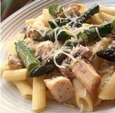 Penne with Chicken and Asparagus yummo!