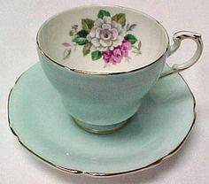 vintage tea cups =)