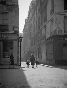 Paris 1942 - Photo: Marcel Bovis