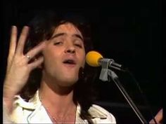 David Essex - Gonna make you a star 1975 - can see why he was a heart throb!