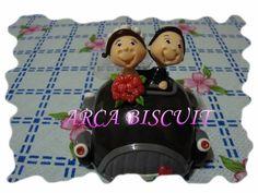 Topo de bolo de no carrinho de biscuit R$35,00