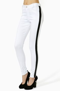 Tuxedo Skinny Jeans - White     Love these! The solid line streamlines your legs and makes them look so skinny!