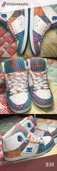 DC Shoe Co USA Rebound Hi Top Skateboard Shoes Size women's US 10 - Super clean - excellent Used condition DC Shoes Sneakers