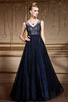 Awesome ball gown #weddingpartydress with handmade beading lace! Love this pretty train so much! #promdress #eveningdress #formalgown #coniefoxreviews