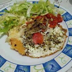#crepesemmassa #lowcarb #lowcarblifestyle  #lowcarbdiet #dietalowcarb #lchflifestyle #lowcarbhighfat #lchfbrasil  #highfat  #naosigoblogueira #dietacetogenica  #keto  #cetose #ketosis #avoidprocessedfoods #saynotosugar  #comidadeverdadenãotemrótulo #eatrealfood #cookyourownfood #cozinhaterapia #kitchentherapy #intermittentfasting #eggs #goodfat by carol.lchf