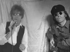 DAVID BOWIE AND JOHN LENNON Singing Fame Live 1975 mpeg2video