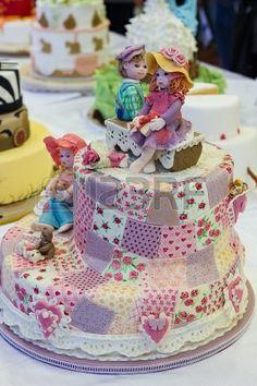 Pastel de boda decorado con patchwork