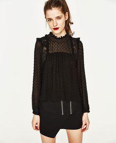 Imagine 2 din TOP PLUMETI COMBINAT de pe Zara