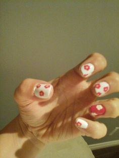 Ongle fleurs Convenience Store, Flower Nails, Convinience Store