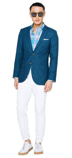 Transform your wardrobe with the addition of a blue summer blazer. Pair it with denim, chinos or suit trousers—the combinations are endless.