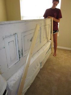 how to make old doors into headboards | ... Shows Us How To Make a Headboard From an Old Door - CasaCullen