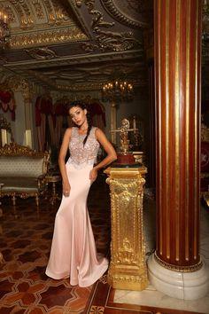 35d89b289b04b 8 en iyi Moda görüntüsü | Moda, Curve prom dresses ve Dress collection