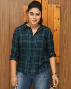 Shamna Kasim (Poorna) Actress Photos Stills Gallery Indian Actress Photos, Beautiful Indian Actress, Indian Actresses, Slim And Fit, Girl Fashion Style, How To Wear Leggings, Indian Girls Images, Curvy Dress, Beauty Full Girl