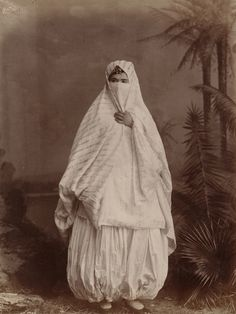 Algerian woman's outdoor costume.jpg