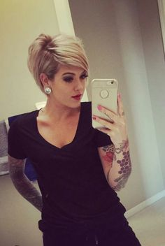 But first let me take a selfie Cute Hairstyles For Short Hair, Pretty Hairstyles, Short Hair Cuts, Bob Hairstyles, Pixie Cuts, Medium Hair Styles, Curly Hair Styles, Sassy Hair, Haircut And Color