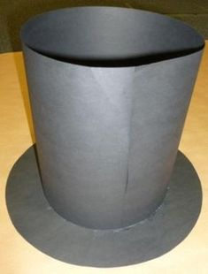 Top hat out of construction paper