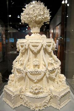 Wedding cakes - A really useful info on inspirations to form a grand wonderful. unique wedding cakes creative breautiful and ingenious suggestion reference imagined on this day 20181231 Extravagant Wedding Cakes, Elegant Wedding Cakes, Elegant Cakes, Beautiful Wedding Cakes, Gorgeous Cakes, Wedding Cake Designs, Pretty Cakes, Wedding Cake Toppers, Amazing Cakes