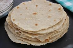 These Homemade Flour Tortillas are super easy to make and only use a few pantry ingredients you probably already have on hand. Soft, tender, and oh so good! Home Made Tortillas Recipe, Easy Tortilla Recipe, Tortilla Bread, Recipes With Flour Tortillas, Homemade Flour Tortillas, Healthy Tortilla, How To Make Tortillas, Tortilla Shells, Low Fat Flour Tortilla Recipe