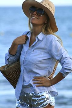 Stunning as always. Love the Hilfiger shirt for the beach