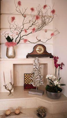 easter indoor decoration Easter Flower Arrangements, Easter Flowers, Indoor Orchids, Vase, Decoration, Home Decor, Decor, Decoration Home, Room Decor