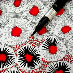 Don't be afraid to color outside of the lines! Love this simple red and black zen doodle design. Doodle Patterns, Zentangle Patterns, Print Patterns, Tangle Doodle, Doodles Zentangles, Motif Floral, Arte Floral, Doodle Drawings, Doodle Art