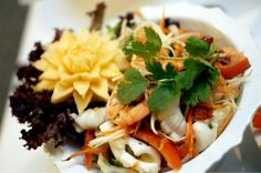 A basic guide to Thai cuisine - Thai curry and ingredients for Thai cooking - Holiday Home Times - The must read for Vacation Rentals Thai Cooking, Italian Cooking, Thai Recipes, Asian Recipes, Taste Sense, Plate Presentation, American Kitchen, Beer Fest, Spicy