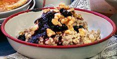 Bokhvetegrøt med blåbærsirup | Tara.no Acai Bowl, Oatmeal, Food And Drink, Health Fitness, Breakfast, Tips, Acai Berry Bowl, The Oatmeal, Morning Coffee