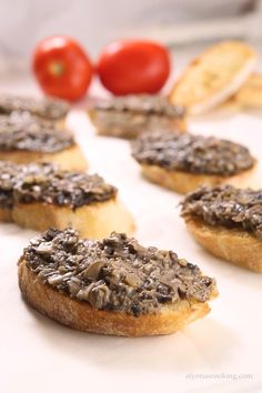 You may have spotted these little savory Russian Mushroom Canapés at a Russian or Ukrainian gathering but if you haven't, you can now try to replicate those tasty little canapés because they are really tasty. Canapes Recipes, Pate Recipes, Curry Recipes, Appetizer Recipes, Mushroom Appetizers, Yummy Appetizers, Russian Pastries, Tapas, Creamy Garlic Mushrooms