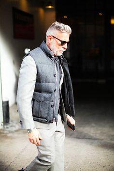 50代男性の渋いダウンベストコーディネート(メンズ)   Italy Web