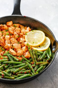 Spicy Green Beans Chicken Skillet with paprika, garlic powder and red hot pepper and of course sauté green beans is perfect for quick dinner. In less than 25 minutes, this one pan, low-carb, gluten-free, paleo and Whole30 friendlychicken dinner can be on your table! Now that the warm days are almost gone, school is back …
