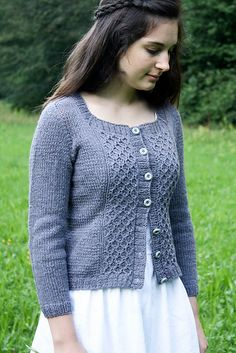 Available to buy on Ravelry: Pretty (me) pattern by Nadia Crétin-Léchenne. Uses a sport weight.