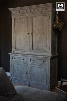 Restyling woonhuis   Decor, Furniture, Interior Furniture, House Styles, Primitive Cabinets, Modern Rustic, House Interior, Vintage Furniture, Interior Deco
