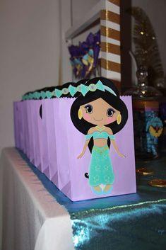 Delfi turned 5 with Jasmine and Aladdin | CatchMyParty.com