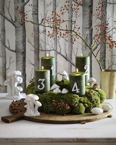 What a great advent wreath in green and white made from moss! Looks gorgeous ///  Toller Adventskranz aus Moos in den Farben Grün und Weiß! Sieht einfach toll aus. Natural Christmas, Green Christmas, Christmas Is Coming, Rustic Christmas, Winter Christmas, Christmas Home, Christmas Wreaths, Merry Christmas, Christmas Crafts